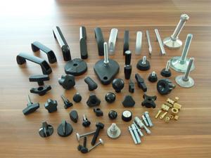 世际有限公司</h2><p class='subtitle'>华司、陶瓷把手、橱柜五金、塑胶及金属零配件、工业用把手、机械零配件</p>